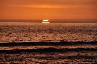 20090807-waves-sunset