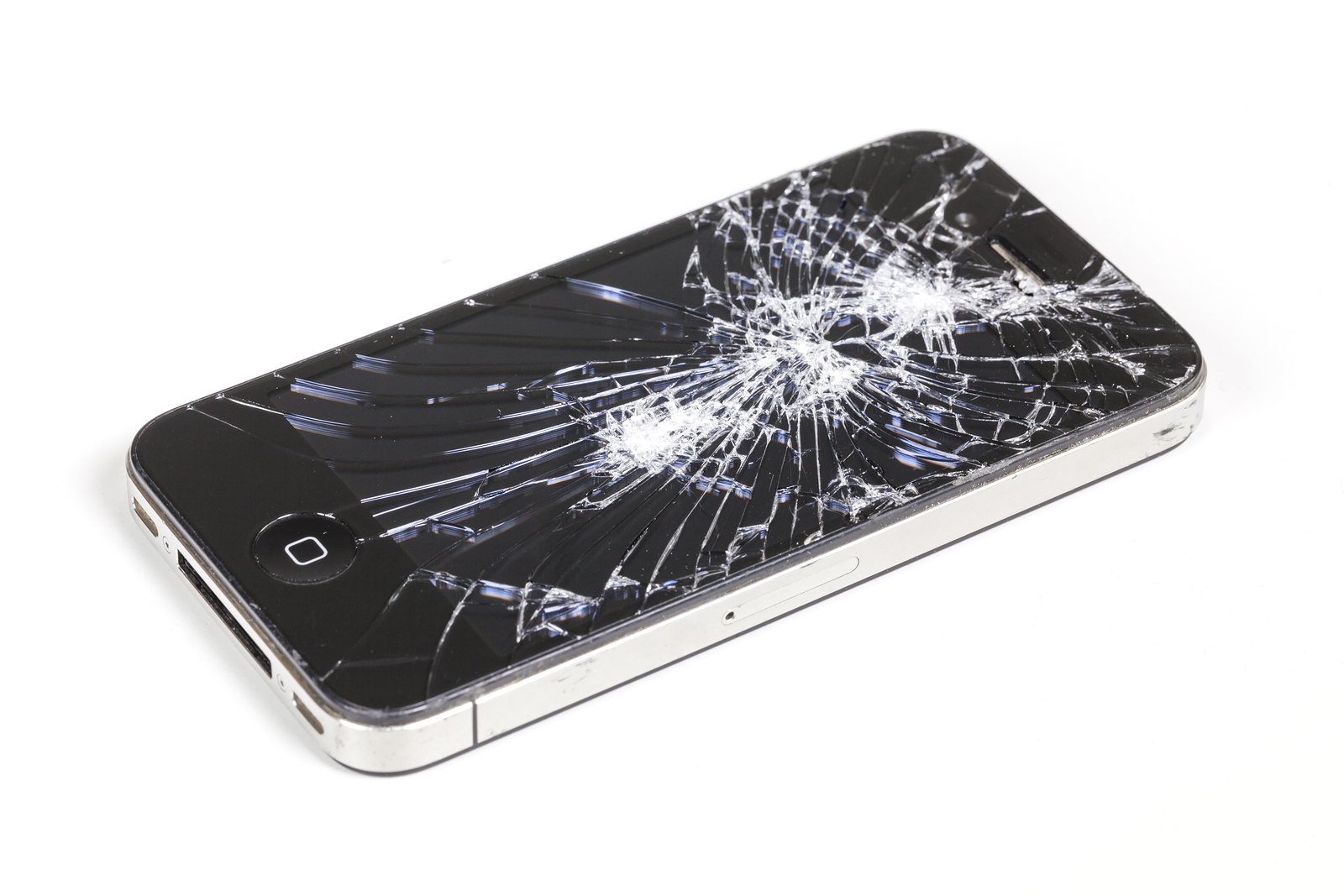 Iphone-With-Seriously-Broken-79342543.jpg